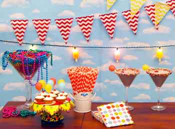 'Party Blog Main Photo' from the web at 'http://www.partyswizzle.com/assets/images/themegraphic/PlantsBirthday.jpg'