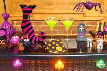 'Party Blog Main Photo' from the web at 'http://www.partyswizzle.com/assets/images/themegraphic/SuperHalloween.jpg'