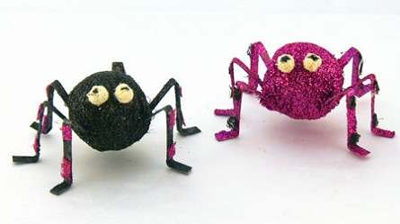 "6"" Glittered Halloween Spider With Metal Legs - 2 colors"