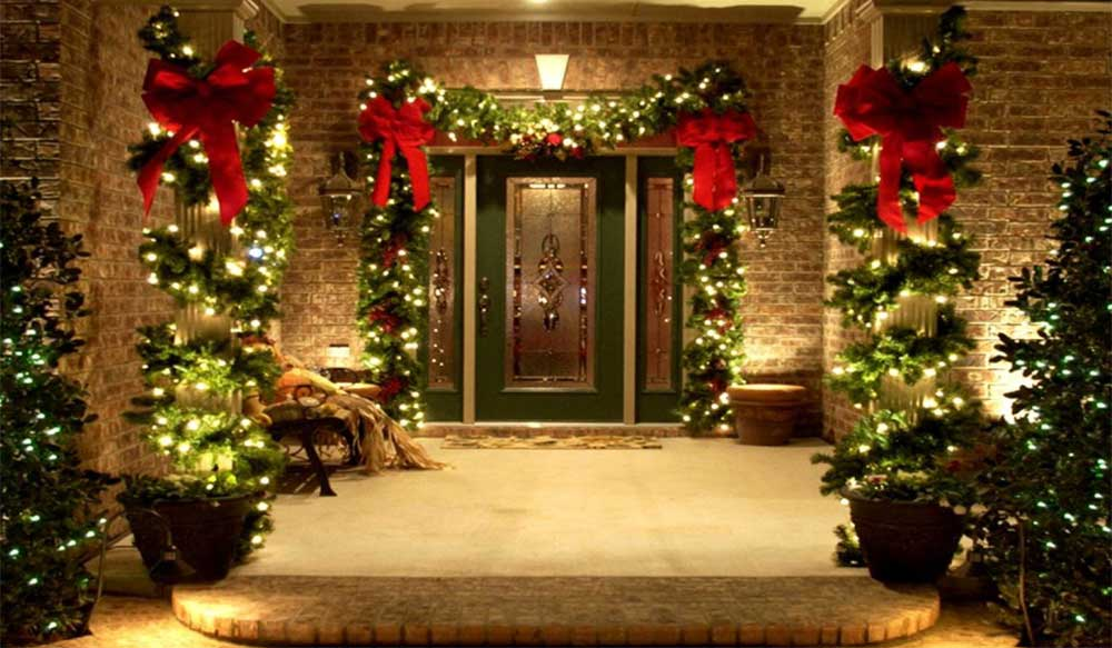 Traditional Christmas Decorating Front Entrance